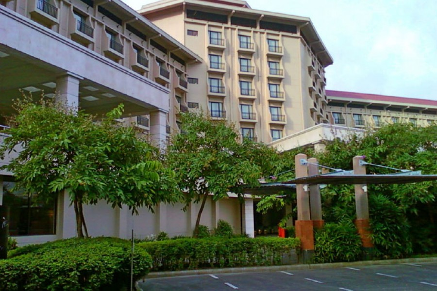 Radisson Blu Water Garden Hotel - Seat Booking